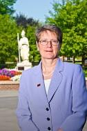 Dr. Kristin Esterberg